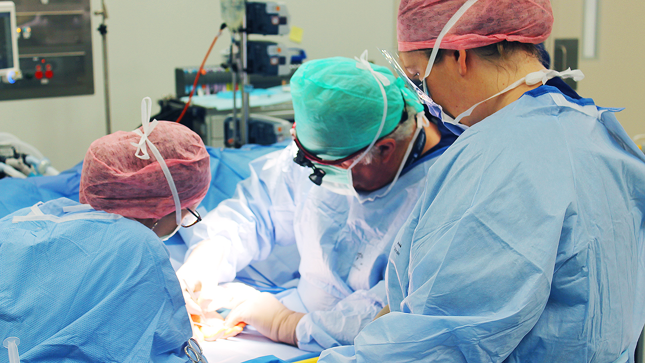 Operating theatres work more efficiently with better communication strategies.